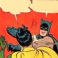 Бэтмен бьет по лицу