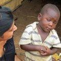 Мальчик негр - скептический взгляд