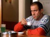мем Челентано с чашкой кофе
