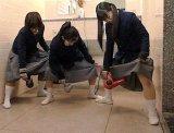 мем Японские школьницы с феном