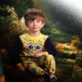 мем Мальчик в желтой пижаме