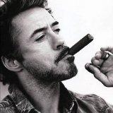 мем Роберт Дауни младший с сигарой