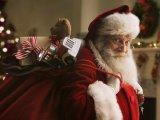 мем Санта Клаус с подарками
