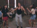 мем Танец Ван Дама