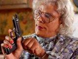 мем Женщина с пистолетом