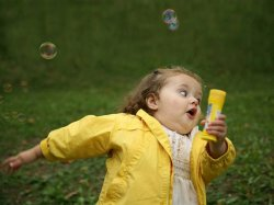 Девочка с пузырями