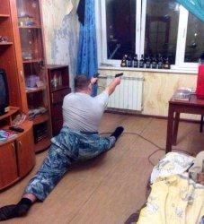 Мужик с пистолетами