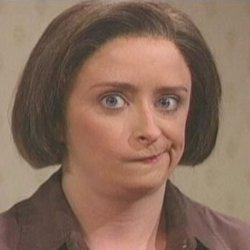 Скептическое выражение лица женщины